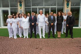 Group photo of Qatar delegation and the team of Kozyavkin Clinic